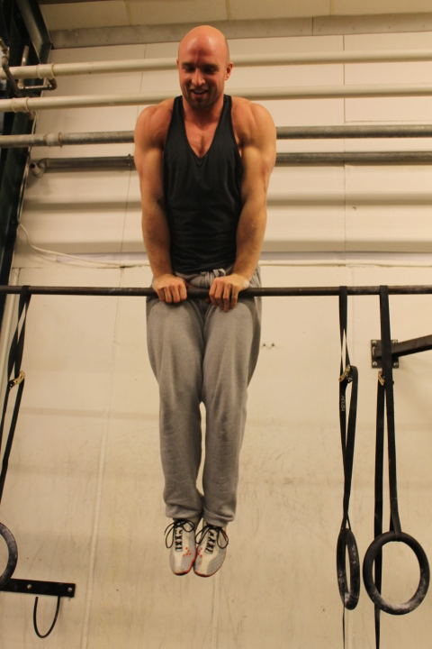 Straight bar muscle up